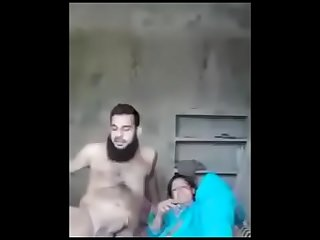 pakistani housewife fucking with husband'_s friend