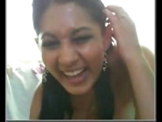 Desi Indian Hot babe in excess of webcam must descry