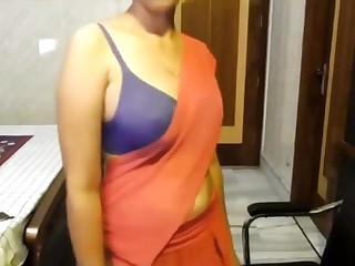 Indian wife shows pussy & dances on cam