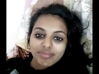 indian girl show her boobs (desisip.com)